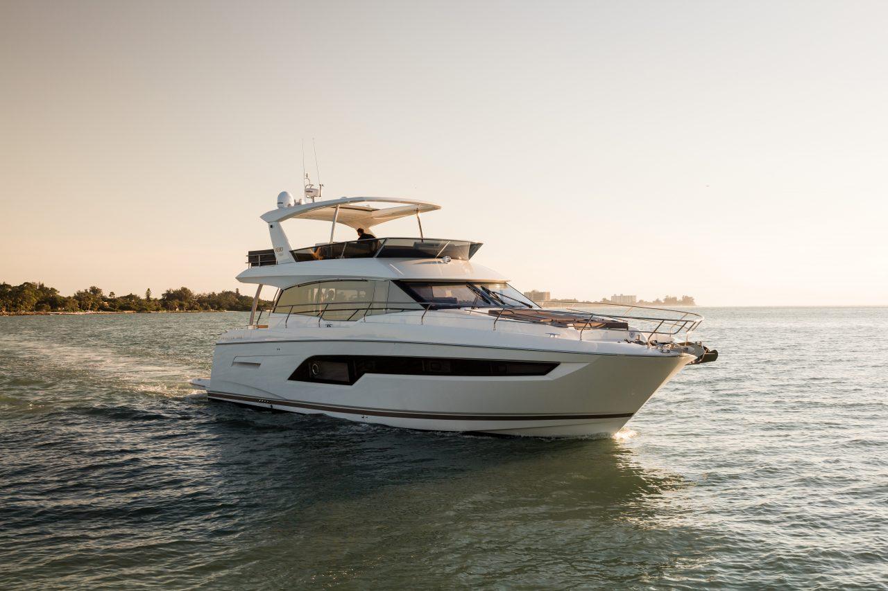 Prestige Yacht Preise: Hier Prestige 630 Fly