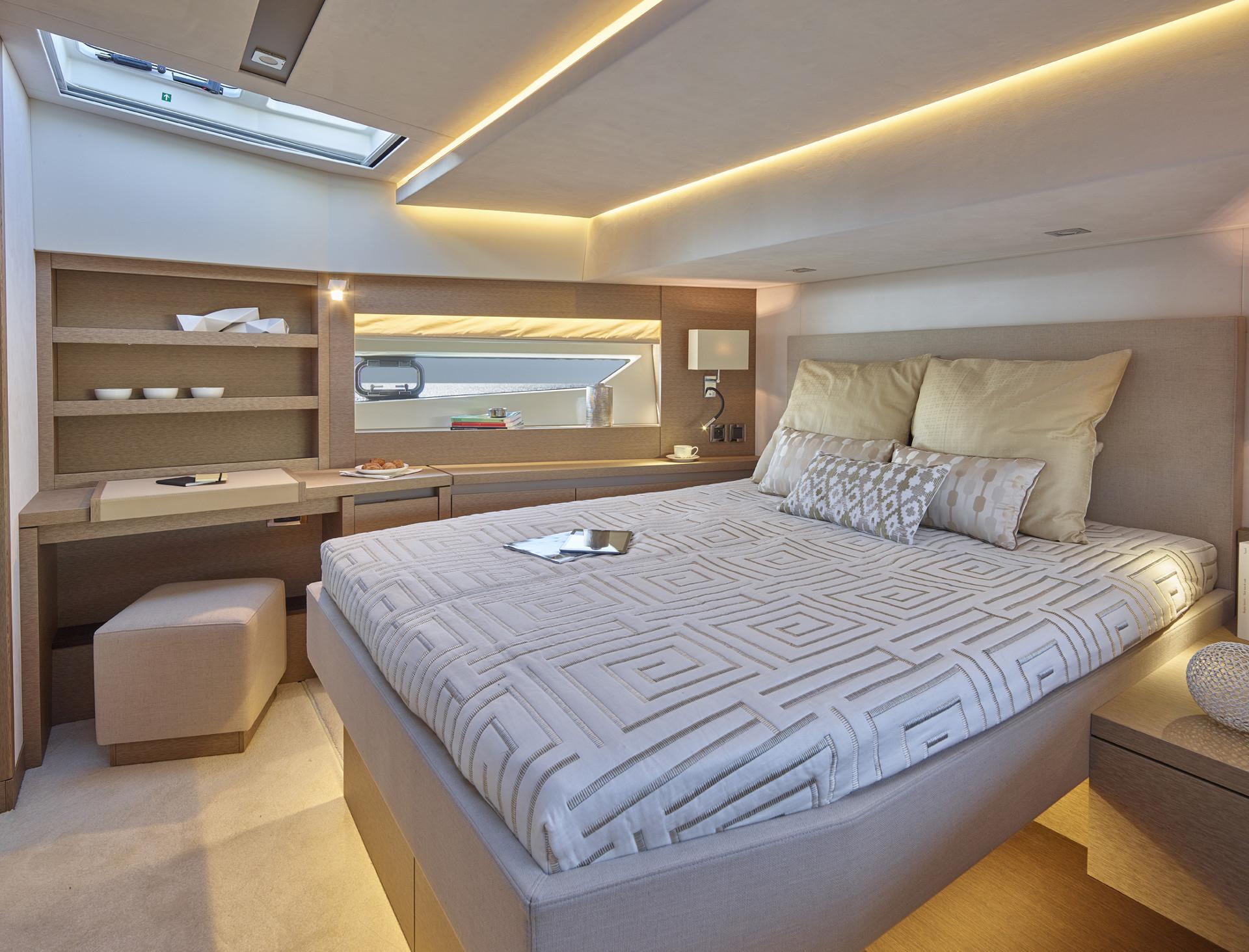Prestige 630S Interior