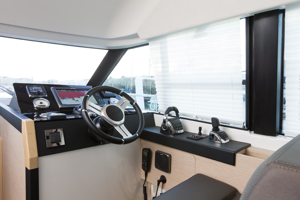 Prestige 420 Interior