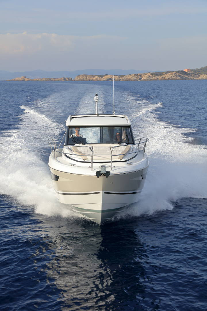 Jeanneau NC 33 Boot Yacht Bild 11