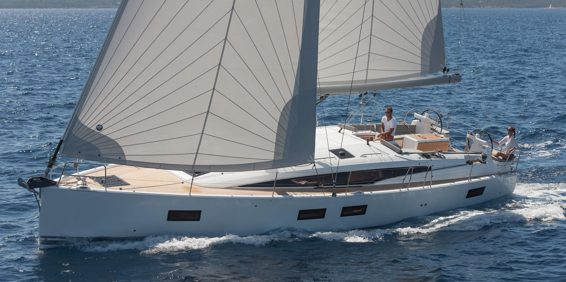 Jeanneau-yacht